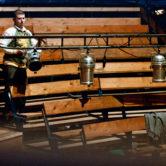 Le Jolly Roger chapiteau de Poly Sons - vue des gradins montage lumières